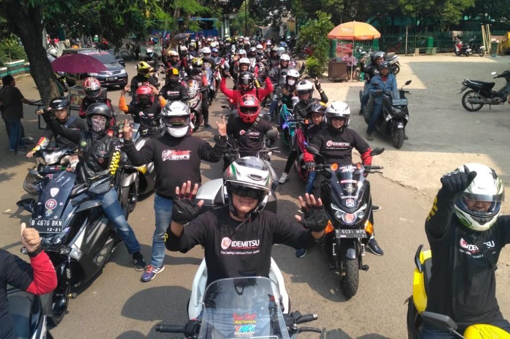 'Bikers' Tangsel Bantu Warga Terdampak Korona