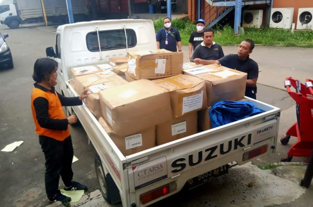 Suzuki Indonesia berkolaborasi dengan Suzuki Club Reaksi Cepat (SCRC) distribusikan APD. scrc