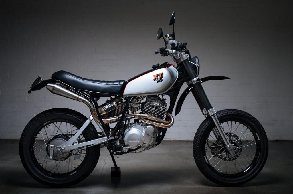 Modifikasi motor Yamaha XT550 tahun 1982. pipeburn