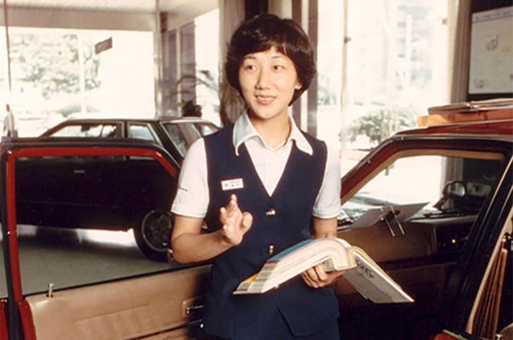 Kyoko Shimada, desainer otomotif wanita pertama di Jepang yang bekerja untuk Nissan. nissan