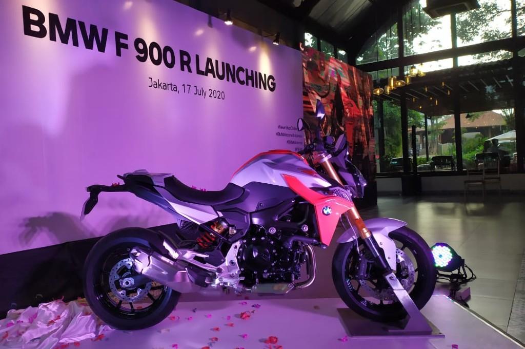 BMW F 900 R lengkapi jajaran model BMW Motorrad di Indonesia.