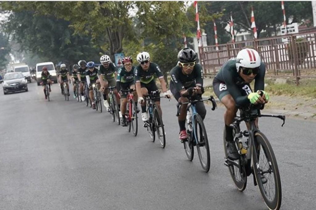 M. Fadly bersama KGB Racing Team gowes bareng dari Jakarta ke Semarang. ig/mfadly43