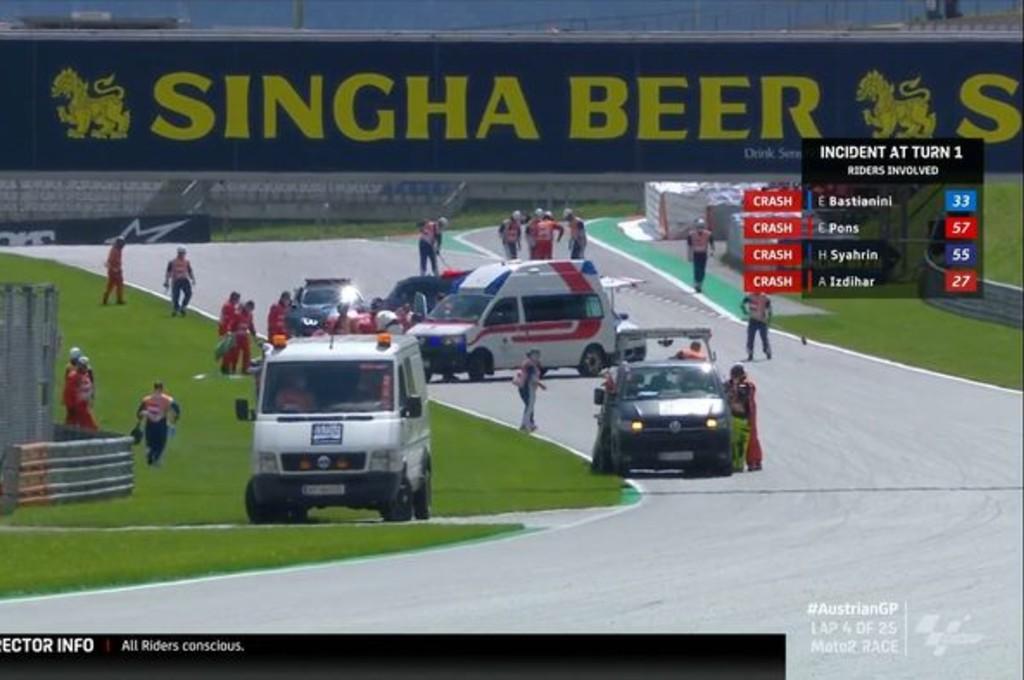 Kecelakaan fatal di Moto2 Austria membuat balapan harus dihentikan.