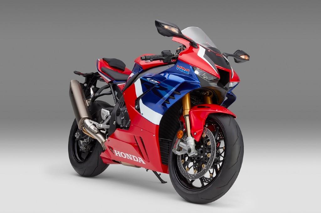 Honda CBR1000RR-R Fireblade harganya tembus Rp1,1 Miliar. ahm