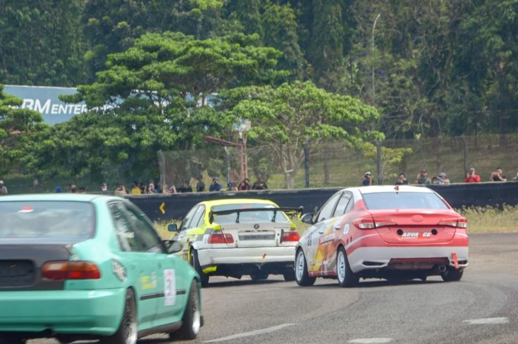 Balapan ISSOM round 1 di Sirkuit Sentul. autogear/adr