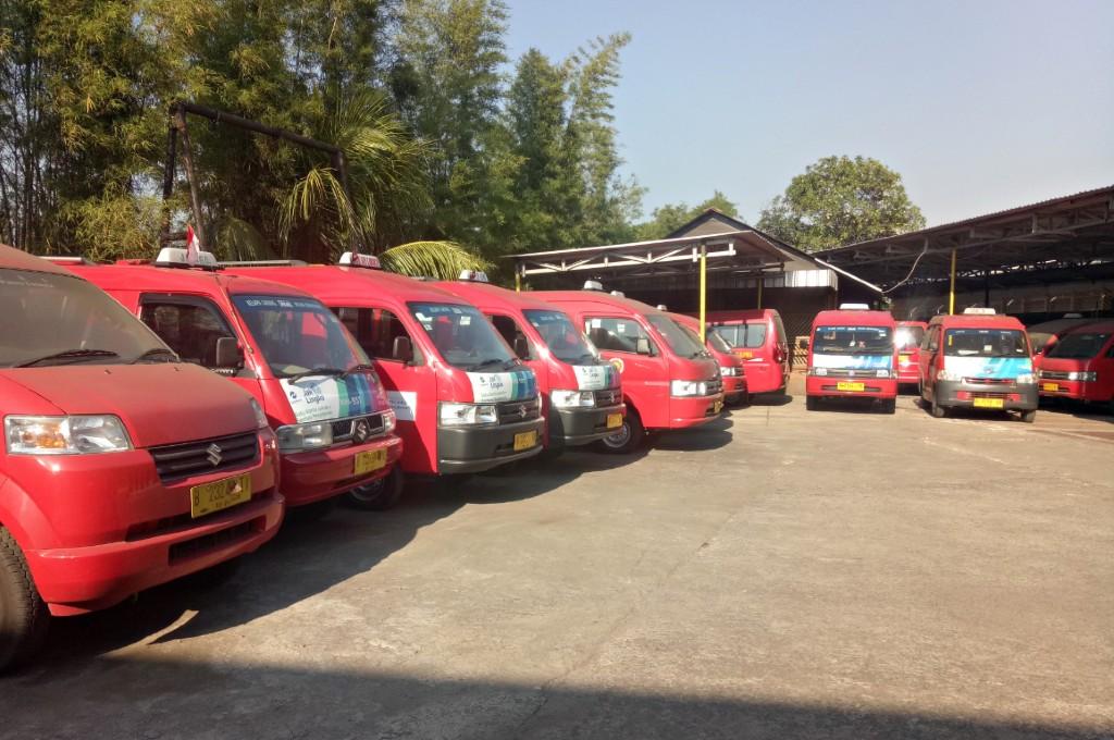 Suzuki bersama Koperasi Wahana Kalpika melakukan fogging disinfektan terhadap 1.101 unit angkot di Jakarta. sis