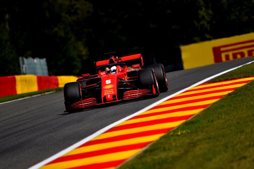 Ferrari menatap balapan kandang (Monza) dengan kepala tertunduk. twiter/ferrari