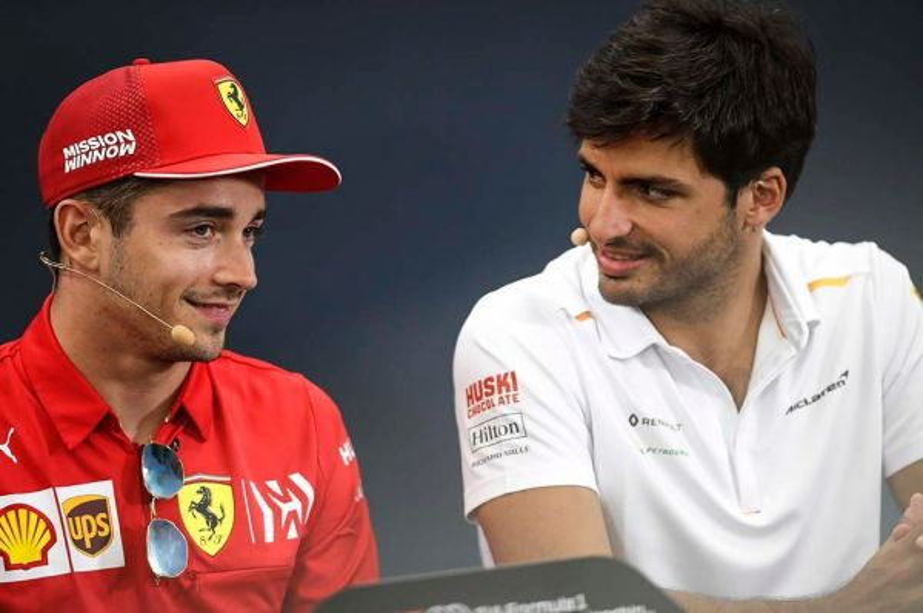 Carlos Sainz Jr (kanan) jadi rekan Charles Leclerc di musim 2021. planetf1