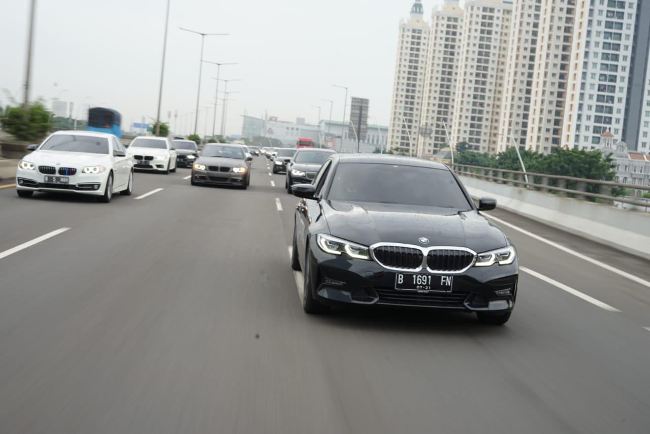 Touring Jakarta-Bogor komunitas BMW Astra.