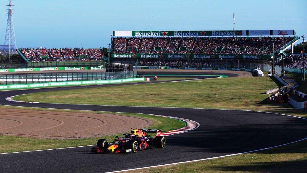 Aksi Max Verstappen dan mobil F1 Honda Red Bull Racing di sirkuit (Foto: Honda Motor)