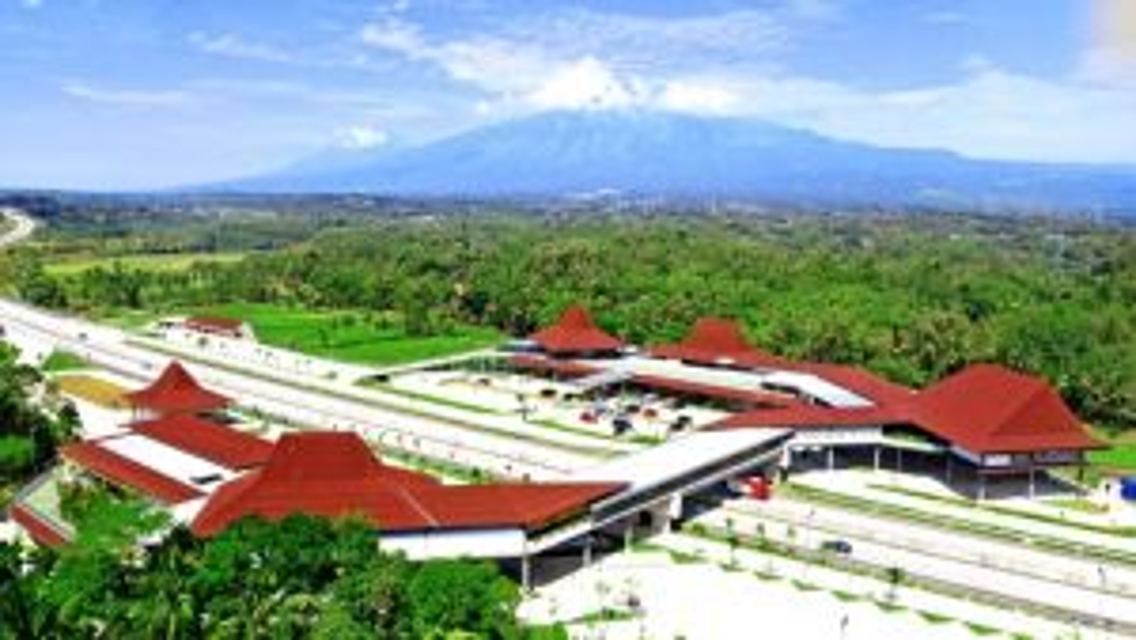 Penampakan Rest area unik di KM 456  tol Trans Jawa (Foto: Resta Pendopo KM 456)