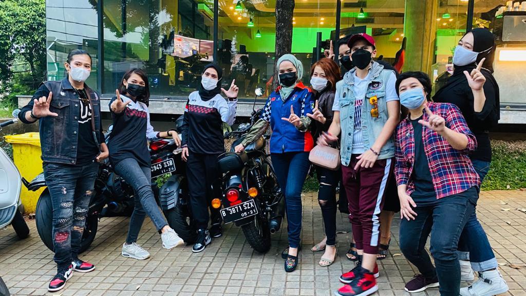 Moto Ladies dan Stigma Pengendara Wanita Sein Kanan Belok ke Kiri