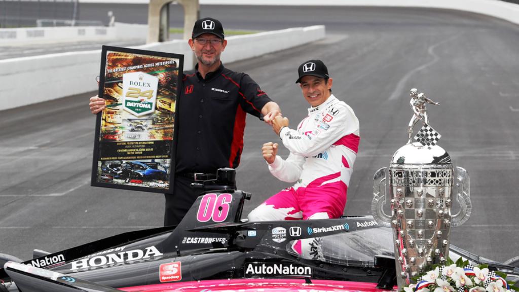 Helio Castroneves usai menjuarai Indy Car 2021. (Foto: Honda Mobil)