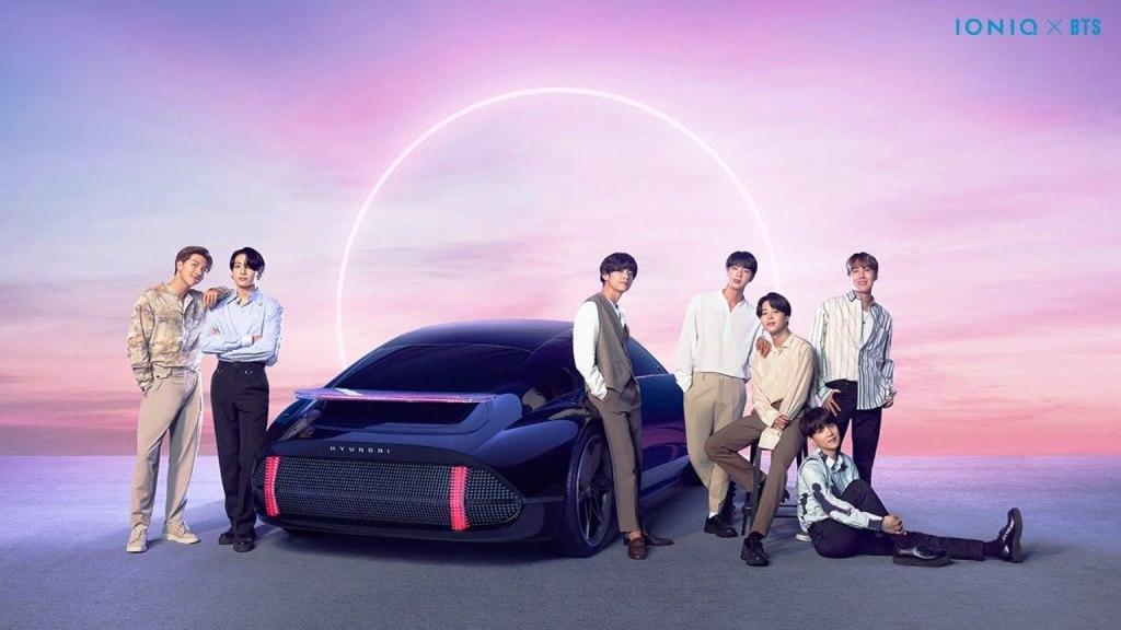 Boyband BTS dan mobil Hyundai Ioniq (Foto: Ist)