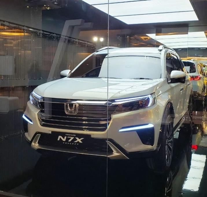 Honda Mulai Keliling Pamerkan Mobil Konsep N7X di 4 Kota Besar