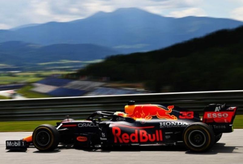 Aksi Max Verstappen dari tim Red Bull Racing Honda saat balapan di F1 GP Styria (Foto: Honda)