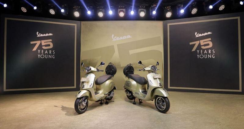 Vespa Primavera 150cc dan Vespa GTS 300cc edisi terbatas untuk rayakan ultah Vespa ke-75 (Foto: Piaggio Indonesia)