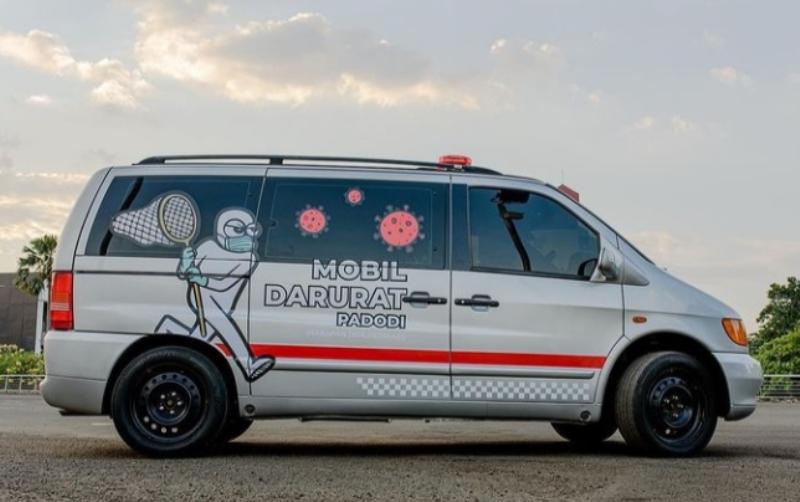 PADODI, Mobil pribadi milik selebriti Ananda Omesh yang diubah jadi ambulans untuk bantu pasien Covid-19 (Foto:Instagram @omeshomesh)
