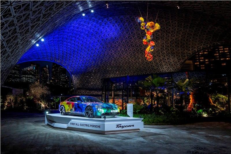 Sensasi Elektrifikasi Porsche Taycan Warnai Gardens by the Bay Singapura