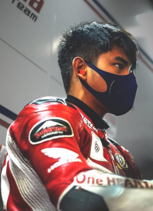 Pembalap Indonesia Mario Aji saat bertarung di Sirkuit Motorland, Aragon, Spanyol (Foto: AHM)