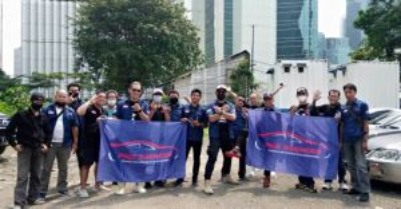 Komunitas Mobil Proton Indonesia Eksis Bantu UMKM di Masa PPKM