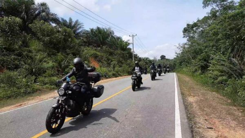 Komunitas XBI Pontianak Rela Libas Hutan demi melakukan baksos dan silaturahmi (Foto: XBI Pontianak)