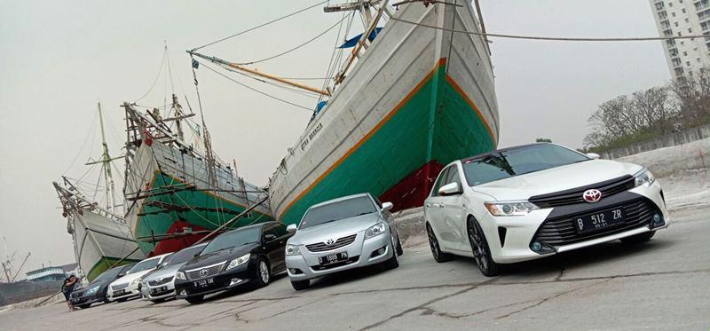 Touring anggota Komunitas Mobil Toyota Camry ke Pelabuhan Sunda Kelapa (Foto: Alun Segoro/Autogear.id)