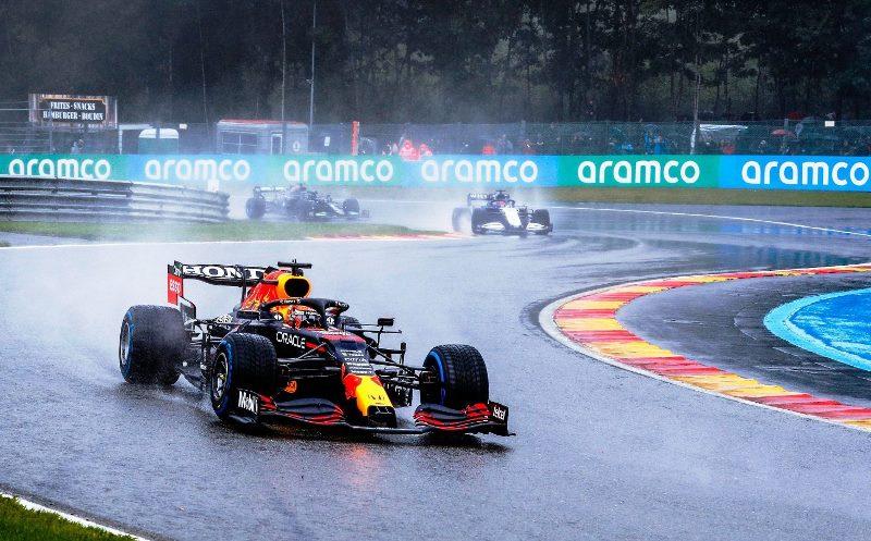 Aksi Max Verstappen pada F1 GP Belgia yang harus diakhiri saat balapan baru berlangsung dua lap karena faktor cuaca (Foto: Instagram Max Verstappen)