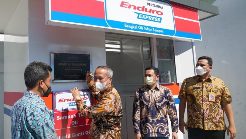 Bengkel Enduro Express Pertamina Lubricants ini bisa ganti oli dan servis ringan motor dibayar pakai sampah (Foto: Pertamina Lubricants)