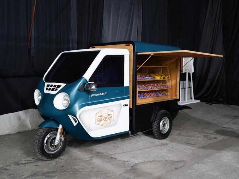 Juara kedua IMX 2021, Deden Desmahikmawan dari Depok yang mengusung konsep Power Ace Bakery Mobile, konsep motor roda tiga listrik untuk jual roti keliling. (Foto: IMX 2021 Virtual Stage)