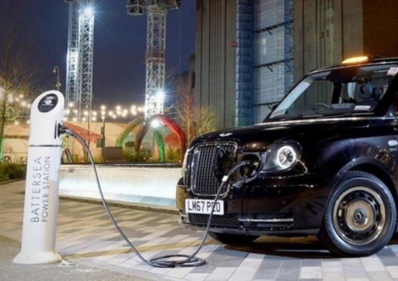 Mobil Taksi bertenaga listrik di London (Foto: Ilustrasi dan IG ElectricLondonTaxi)